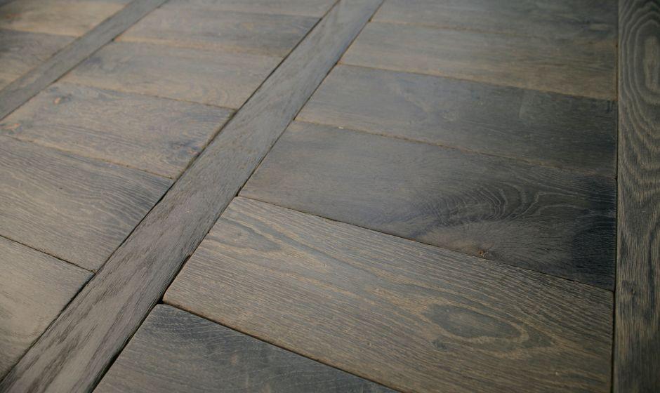 parquet en ch ne vieilli ornemental echelle collection bois ornementaux. Black Bedroom Furniture Sets. Home Design Ideas